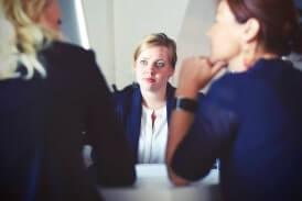 מה צריך לבחון כאשר מגייסים עובדים חדשים לעסק?